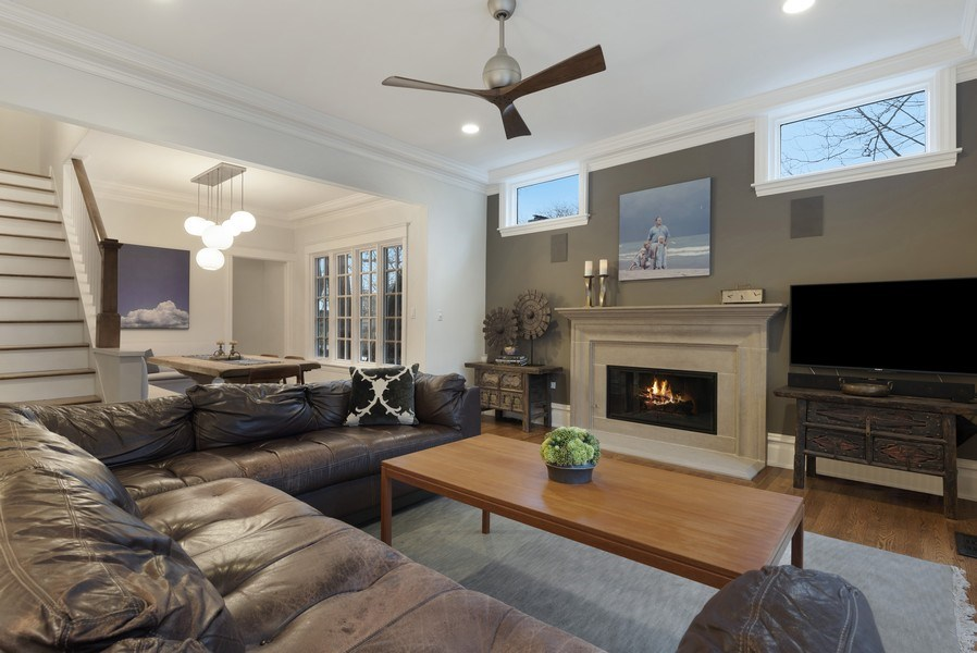 Real Estate Photography - 706 Sheridan Rd, Evanston, IL, 60202 - Family Room