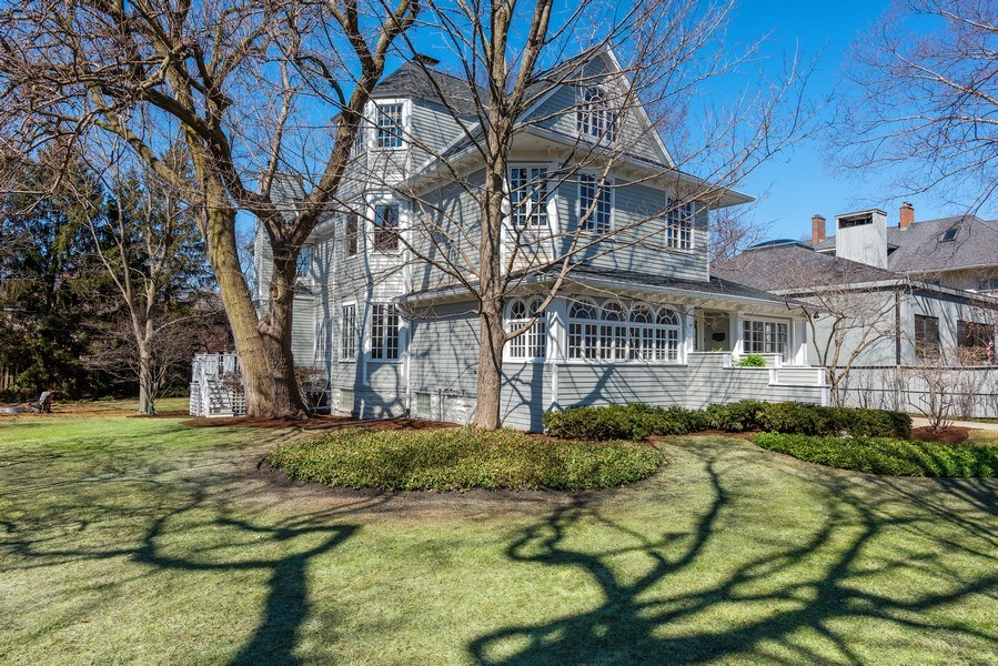 Real Estate Photography - 706 Sheridan Rd, Evanston, IL, 60202 - Front View