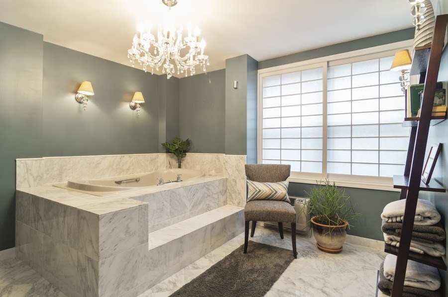 Real Estate Photography - 850 DeWitt, #18A, Chicago, IL, 60611 - Master Bathroom