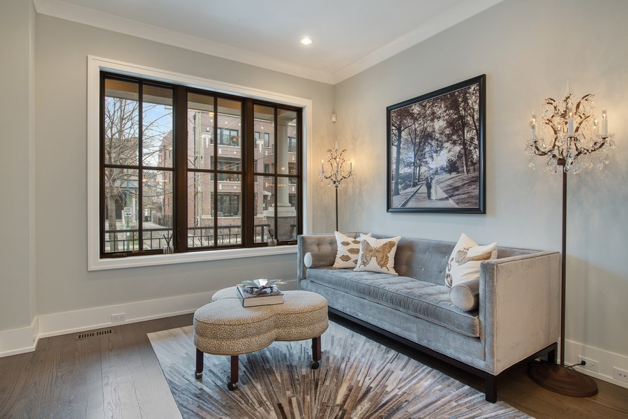 Real Estate Photography - 3943 N Hoyne Ave, Chicago, IL, 60618 - Living Room