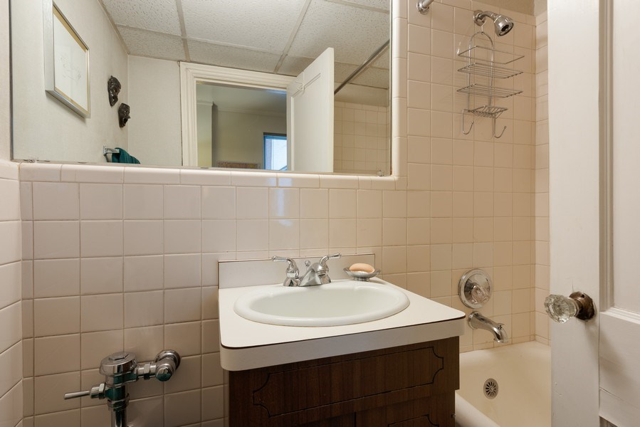 Real Estate Photography - 2912 N Commonwealth, Unit 1A, Chicago, IL, 60657 - 3rd Bathroom