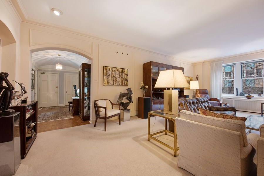 Real Estate Photography - 2912 N Commonwealth, Unit 1A, Chicago, IL, 60657 - Foyer/Living Room