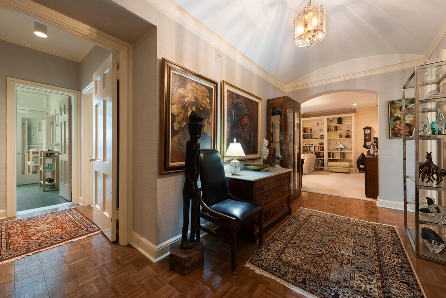 Real Estate Photography - 2912 N Commonwealth, Unit 1A, Chicago, IL, 60657 - Foyer