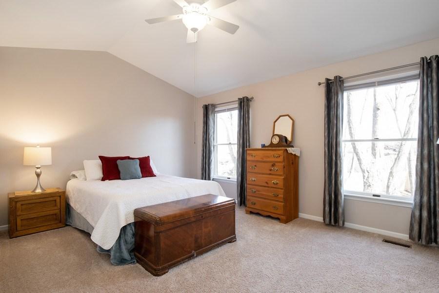 Real Estate Photography - 1716 Cedar Glen Ct, Libertyville, IL, 60048 - 3rd Bedroom