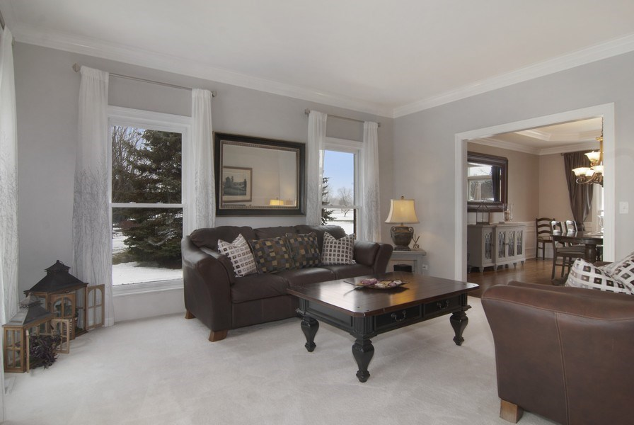 Real Estate Photography - 38W613 Clubhouse Dr, St Charles, IL, 60175 - Living Room