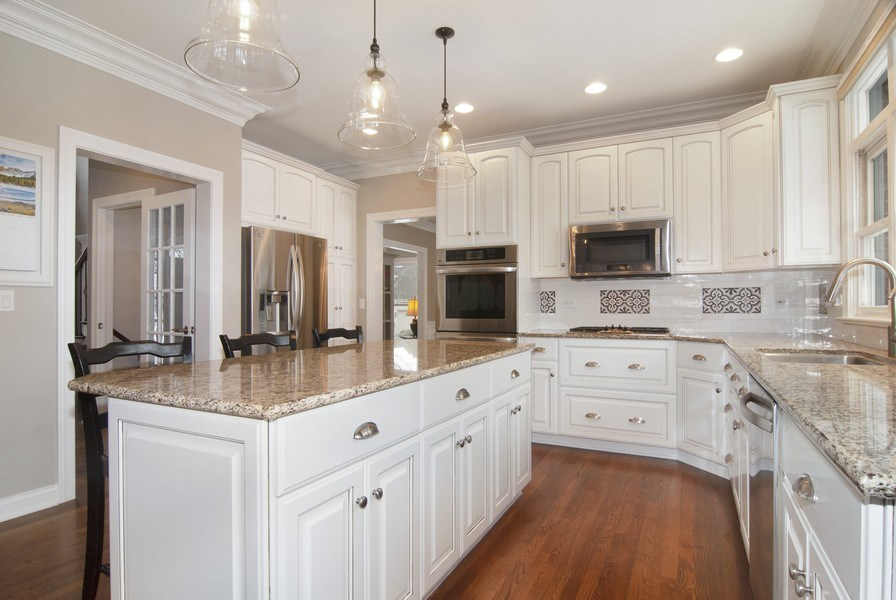 Real Estate Photography - 38W613 Clubhouse Dr, St Charles, IL, 60175 - Kitchen