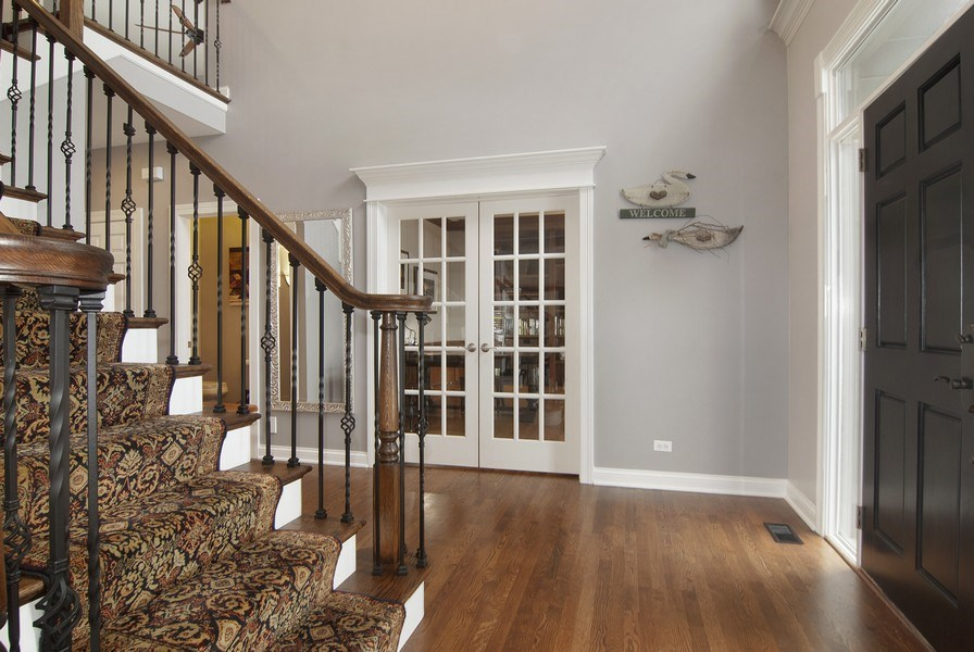 Real Estate Photography - 38W613 Clubhouse Dr, St Charles, IL, 60175 - Foyer