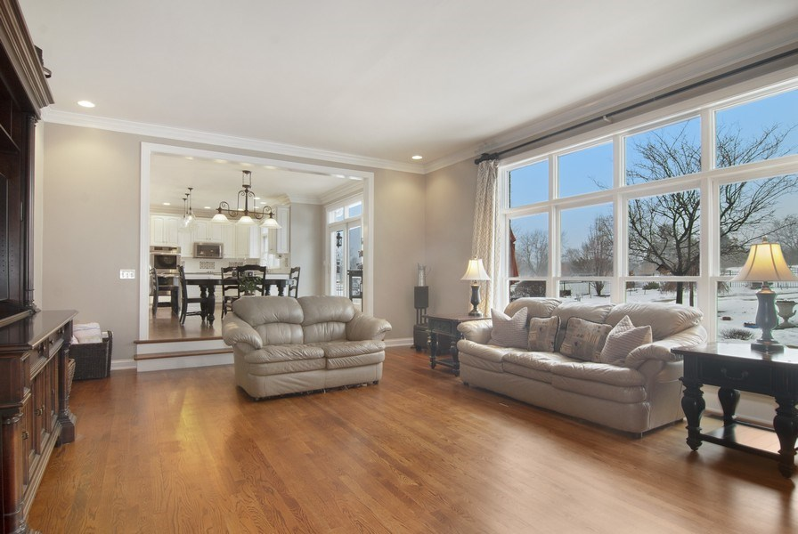 Real Estate Photography - 38W613 Clubhouse Dr, St Charles, IL, 60175 - Family Room / Kitchen