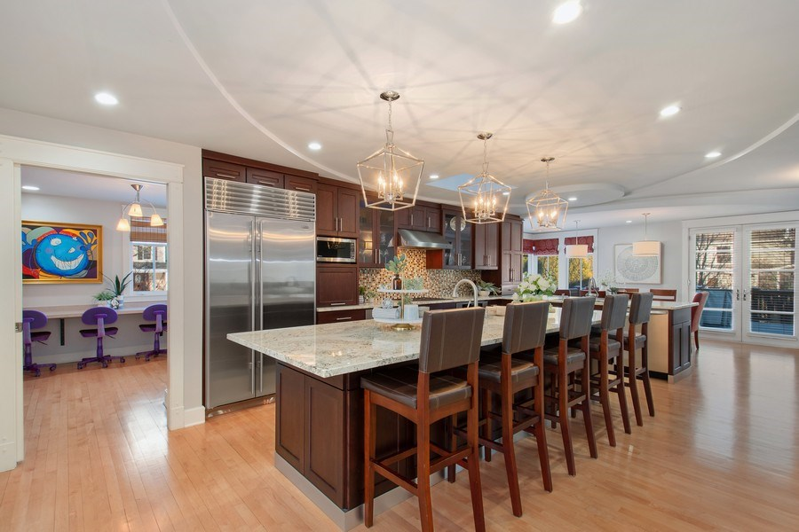 Real Estate Photography - 1509 E Eton Dr, Arlington Heights, IL, 60004 - Kitchen