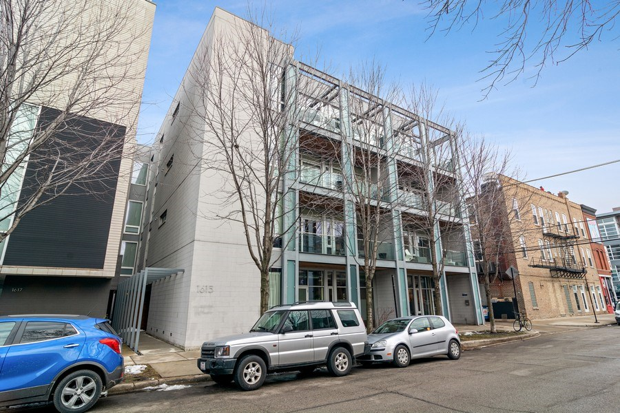 Real Estate Photography - 1615 N Wolcott, Unit 204, Chicago, IL, 60622 - Front View