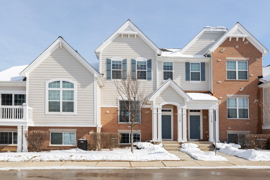 Real Estate Photography - 1117 Chelsea, Lake Zurich, IL, 60047 - Front View