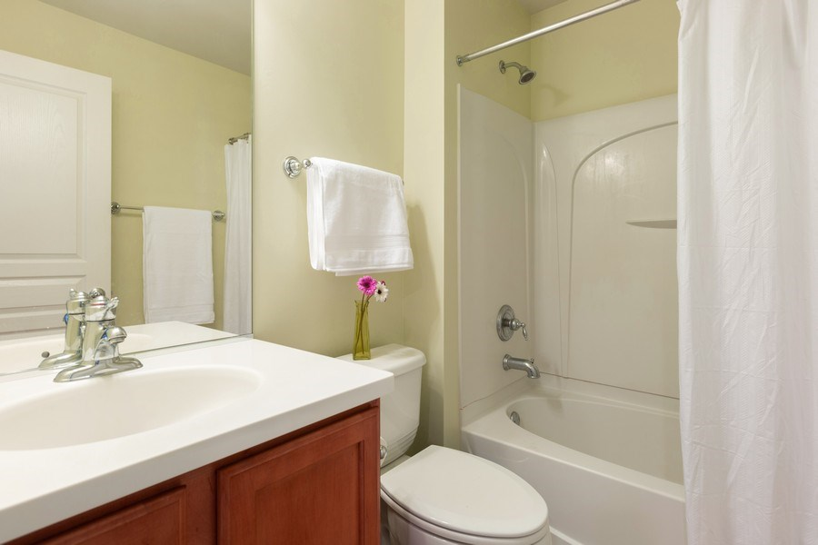 Real Estate Photography - 1117 Chelsea, Lake Zurich, IL, 60047 - 2nd Bathroom