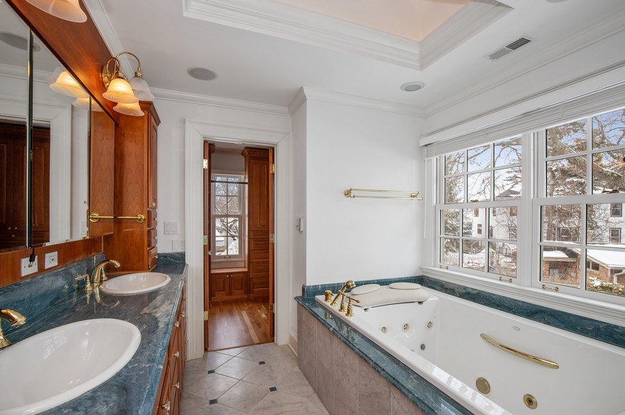 Real Estate Photography - 508 Ryan Place, lake forest, IL, 60045 - Master Bathroom/Jacuzzi Tub