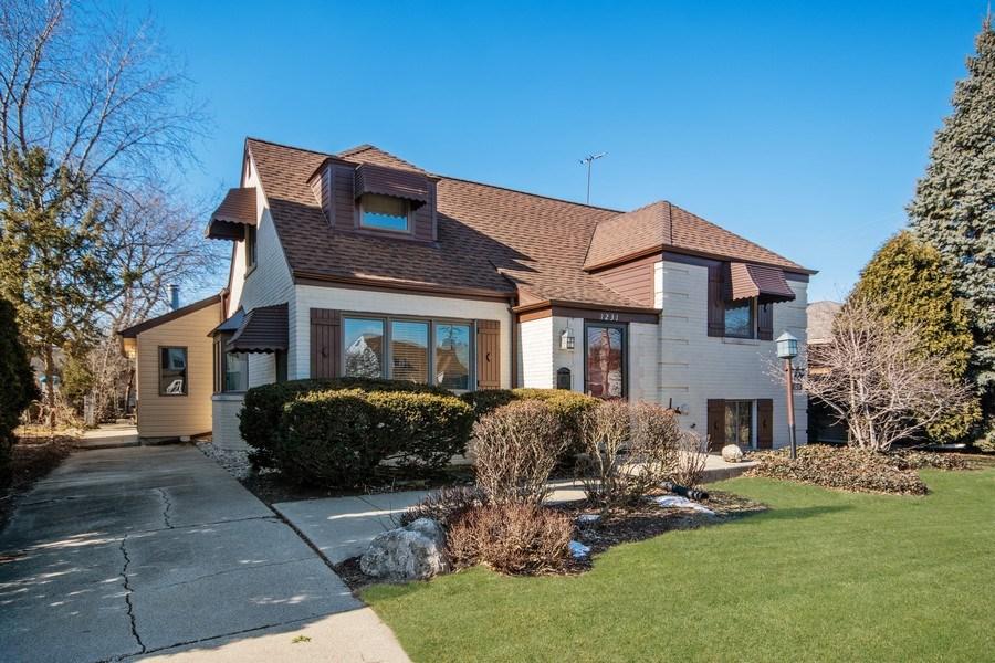 Real Estate Photography - 1231 N. Marion St., Oak Park, IL, 60302 - Front View