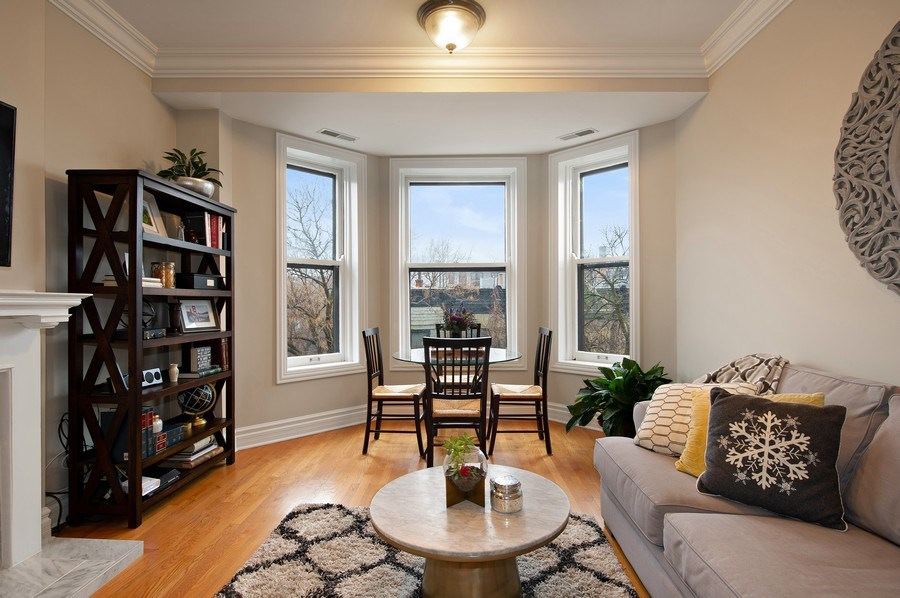 Real Estate Photography - 1701 N Crilly Court, 3W, Chicago, IL, 60614 - Living Room