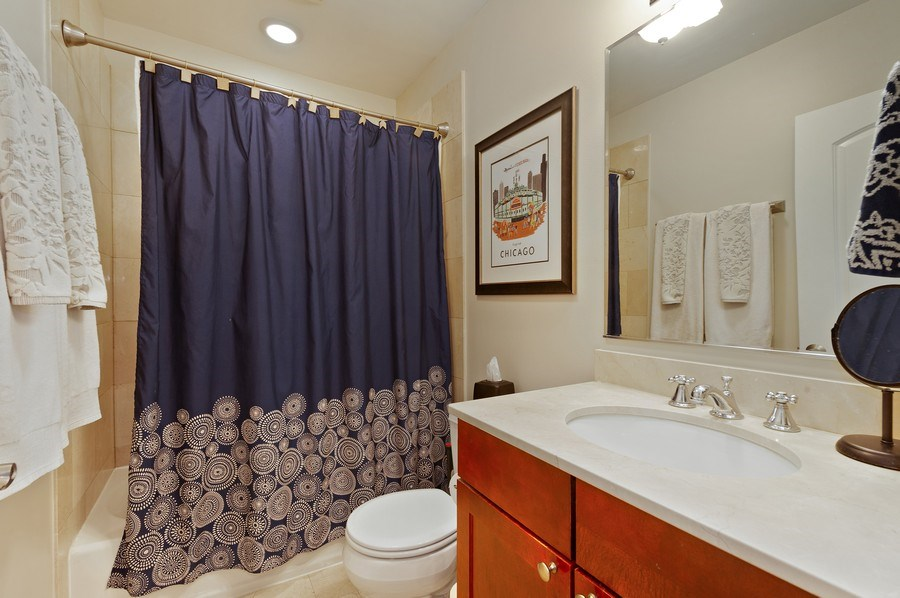 Real Estate Photography - 1701 N Crilly Court, 3W, Chicago, IL, 60614 - Master Bathroom