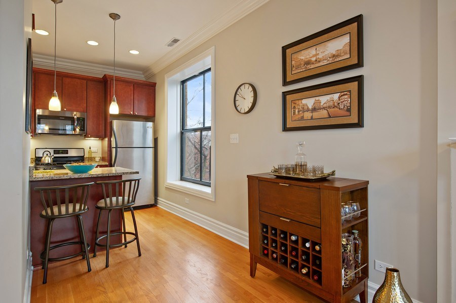 Real Estate Photography - 1701 N Crilly Court, 3W, Chicago, IL, 60614 - Kitchen / Breakfast Room