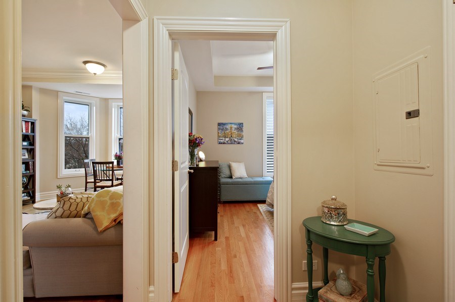 Real Estate Photography - 1701 N Crilly Court, 3W, Chicago, IL, 60614 - Foyer