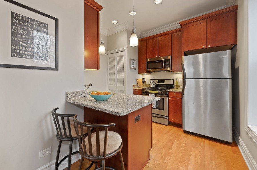 Real Estate Photography - 1701 N Crilly Court, 3W, Chicago, IL, 60614 - Kitchen