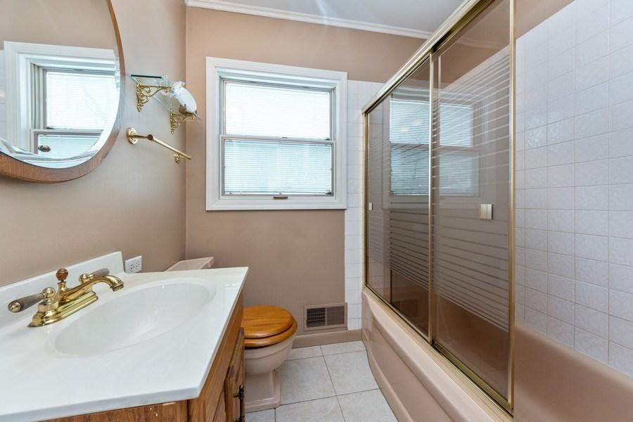 Real Estate Photography - 608 E Oakton, Arlington Heights, IL, 60004 - 2nd Bathroom