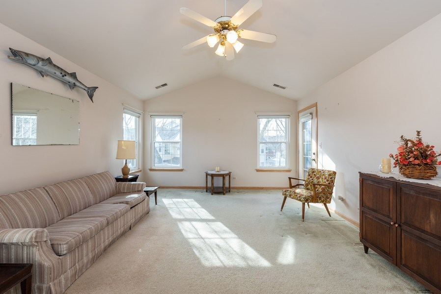Real Estate Photography - 2129 Aberdeen Ct., Hanover Park, IL, 60133 - Living Room