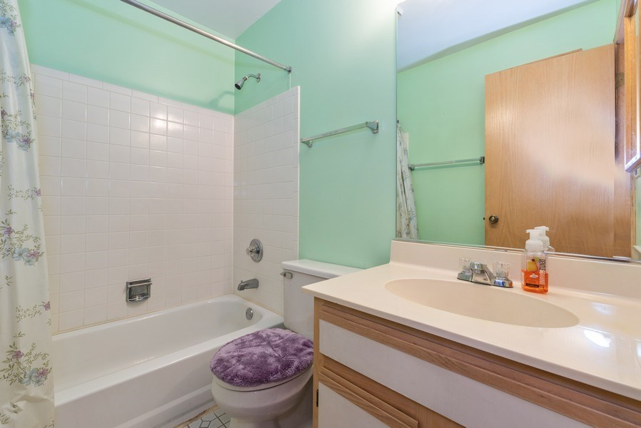 Real Estate Photography - 2129 Aberdeen Ct., Hanover Park, IL, 60133 - Bathroom