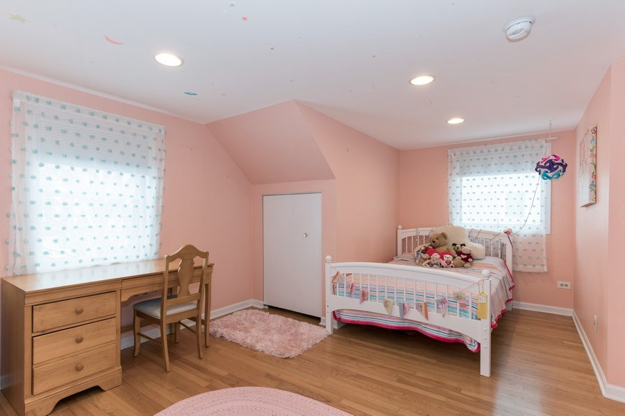 Real Estate Photography - 602 S Vail Ave, Arlington Heights, IL, 60005 - 4th Bedroom