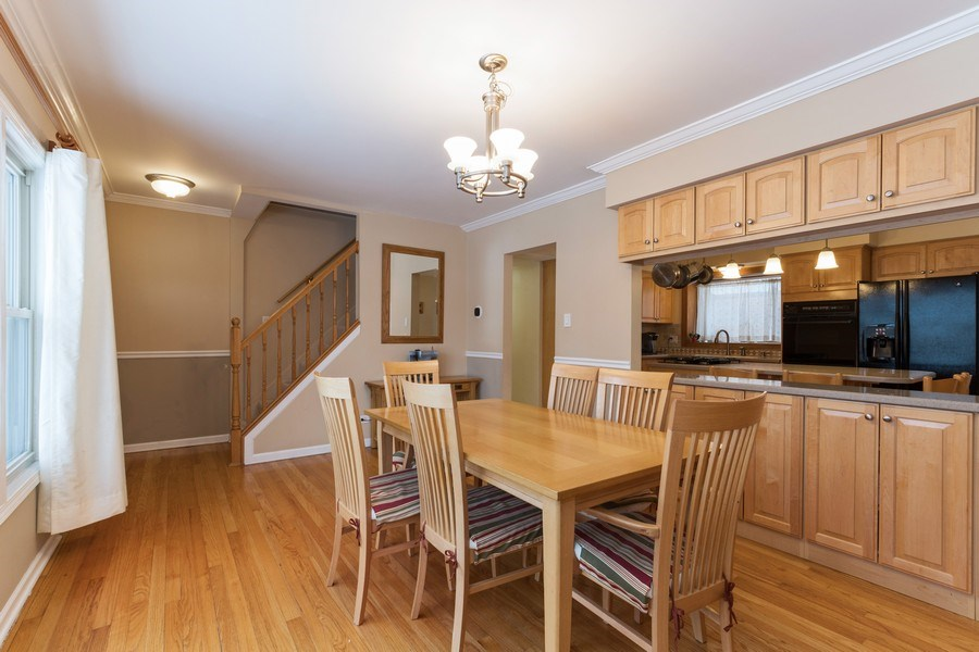 Real Estate Photography - 602 S Vail Ave, Arlington Heights, IL, 60005 - Dining Room