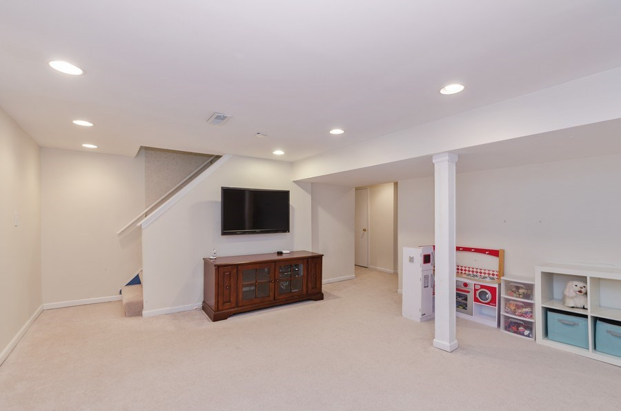 Real Estate Photography - 602 S Vail Ave, Arlington Heights, IL, 60005 - Basement