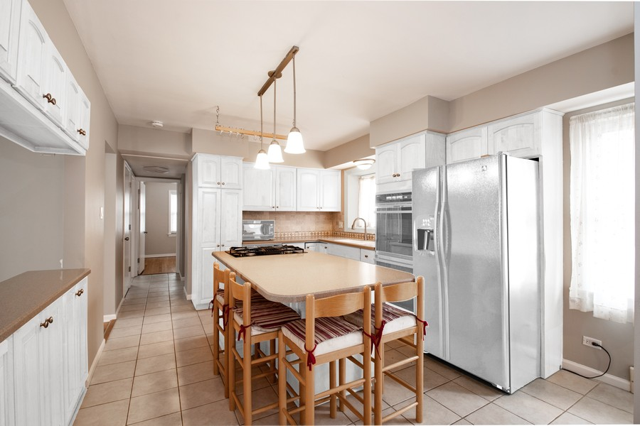 Real Estate Photography - 602 S Vail Ave, Arlington Heights, IL, 60005 -