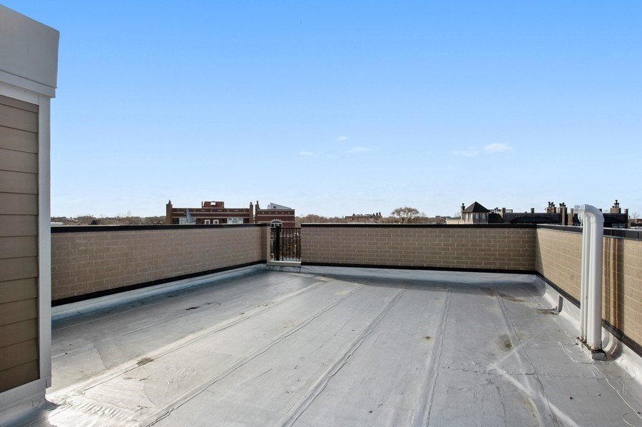 Real Estate Photography - 3828 N. Racine #2, Chicago, IL, 60613 - Roof Deck