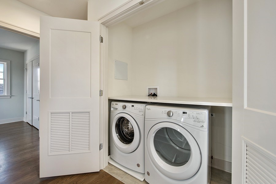 Real Estate Photography - 3828 N. Racine #2, Chicago, IL, 60613 - Laundry Room