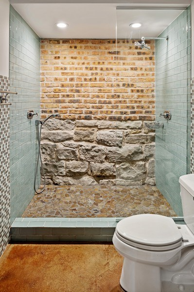 Real Estate Photography - 5402 North Magnolia, Chicago, IL, 60640 - 3rd Bathroom