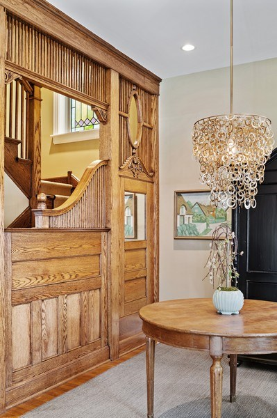 Real Estate Photography - 5402 North Magnolia, Chicago, IL, 60640 - Entryway
