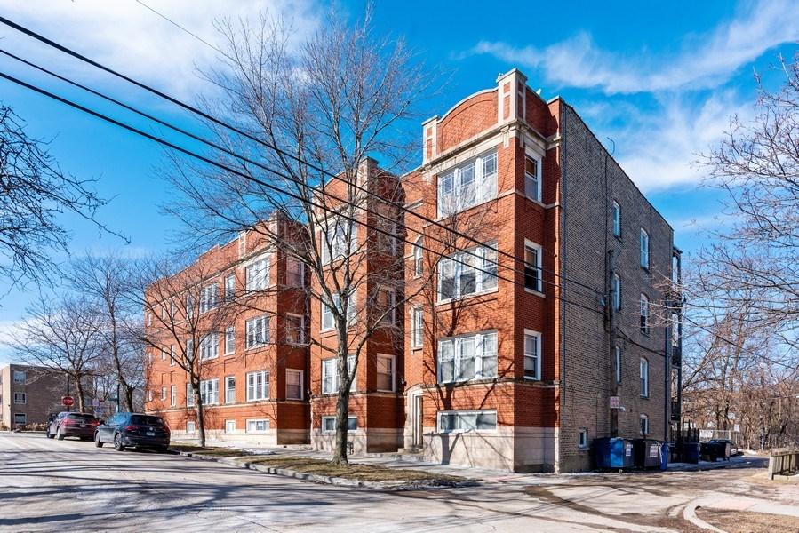 Real Estate Photography - 927 W. Brummel Street #3, Evanston, IL, 60201 - Building