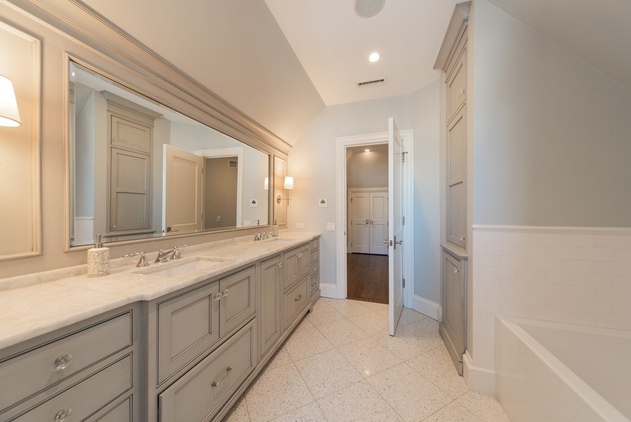 Real Estate Photography - 315 E Hawthorne St, Arlington Heights, IL, 60004 - 3rd Bathroom