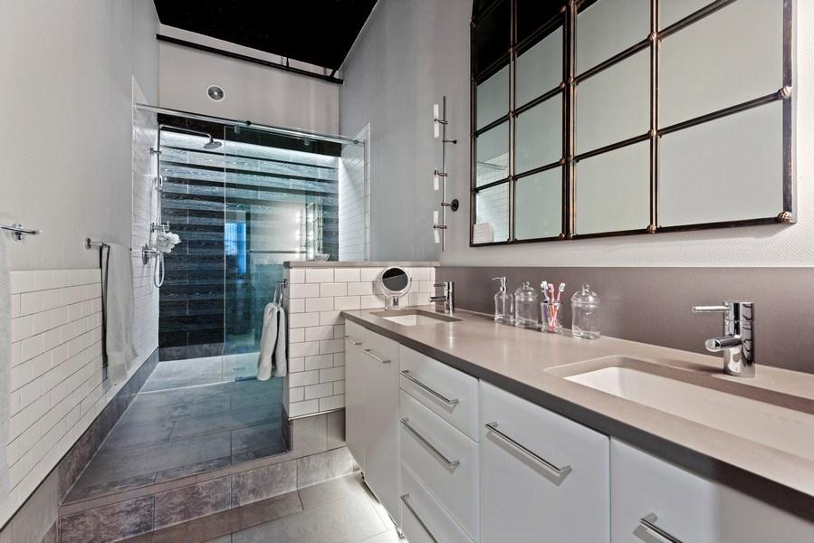 Real Estate Photography - 728 W. Jackson Blvd., Unit 1003, Chicago, IL, 60661 - Master Bathroom