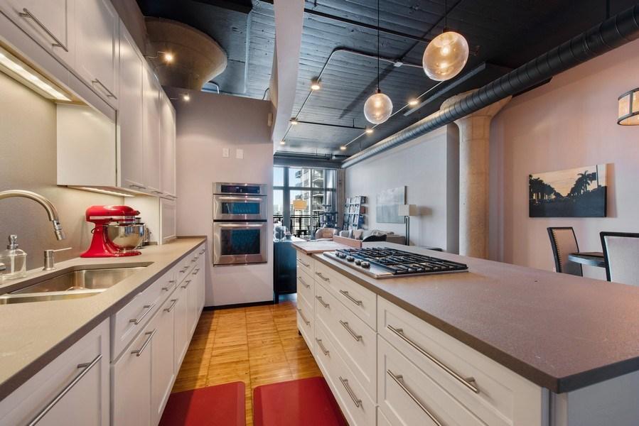 Real Estate Photography - 728 W. Jackson Blvd., Unit 1003, Chicago, IL, 60661 - Kitchen