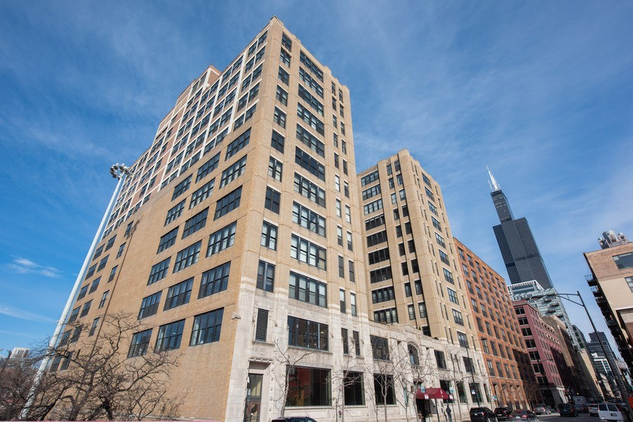 Real Estate Photography - 728 W. Jackson Blvd., Unit 1003, Chicago, IL, 60661 - Front View