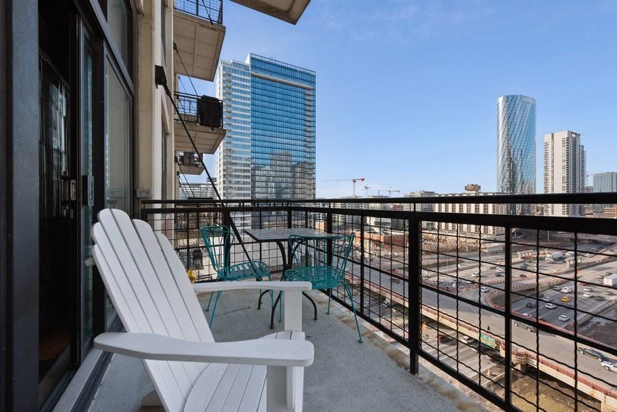 Real Estate Photography - 728 W. Jackson Blvd., Unit 1003, Chicago, IL, 60661 - Balcony