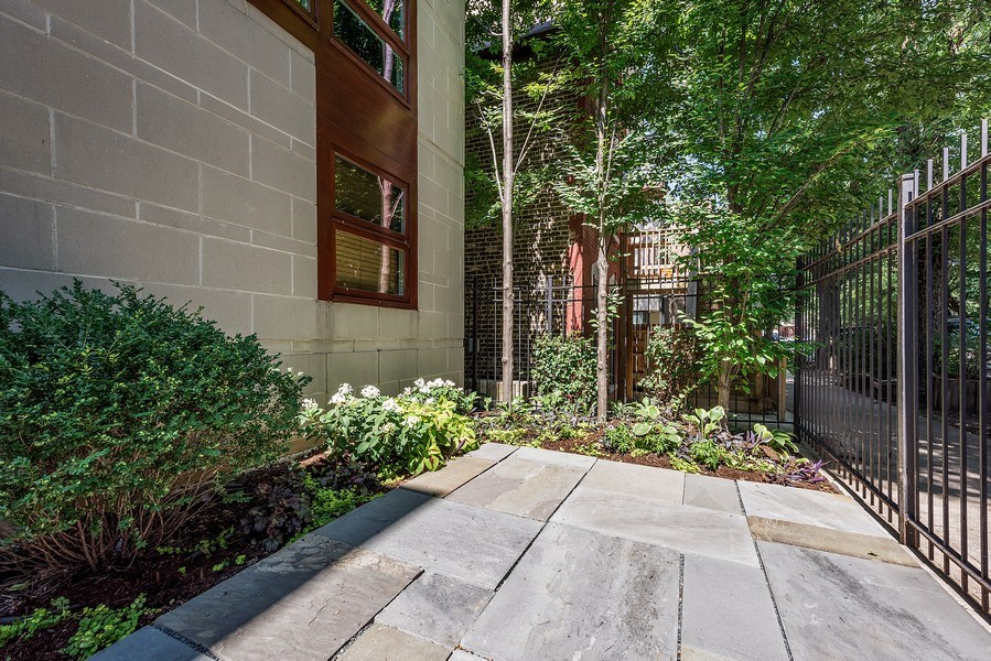 Real Estate Photography - 1734 N. Winchester Ave., Chicago, IL, 60622 - Front Yard