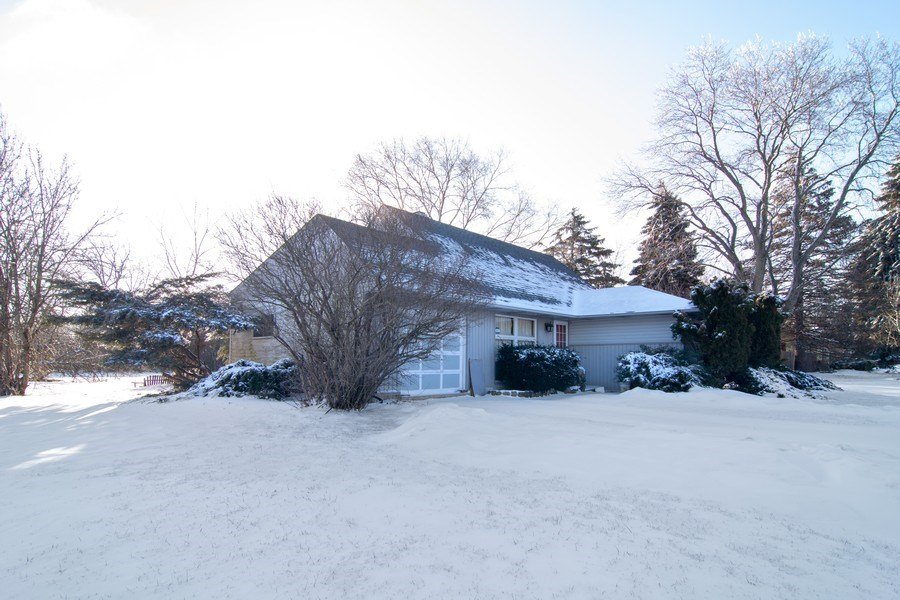 Real Estate Photography - 1821 N Verde Ave, Arlington Heights, IL, 60004 - Side View