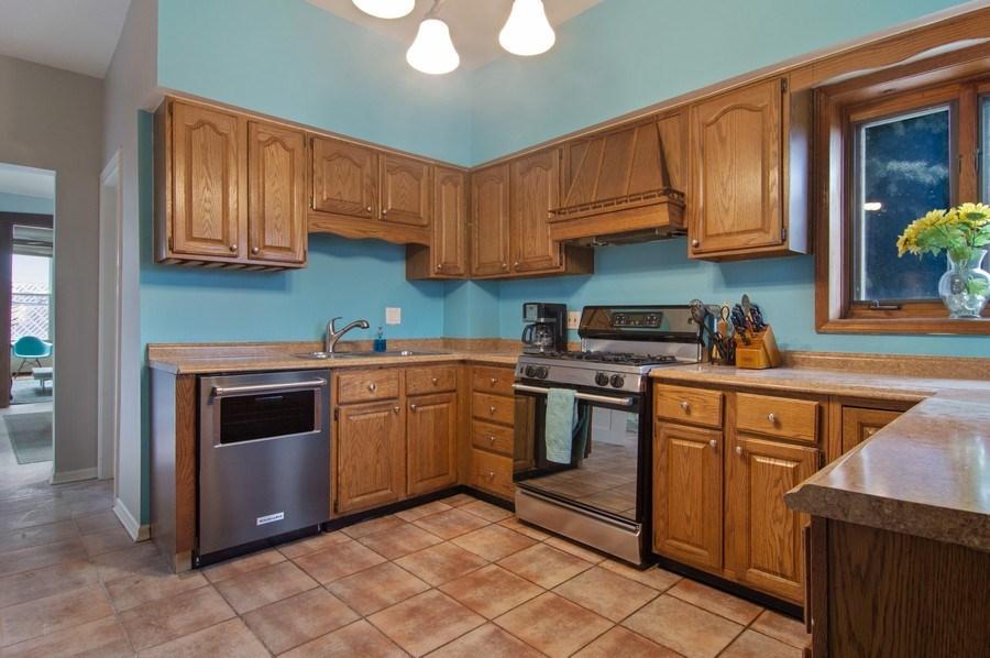 Real Estate Photography - 1625 N. Dayton St., Chicago, IL, 60614 - Unit 2- Kitchen