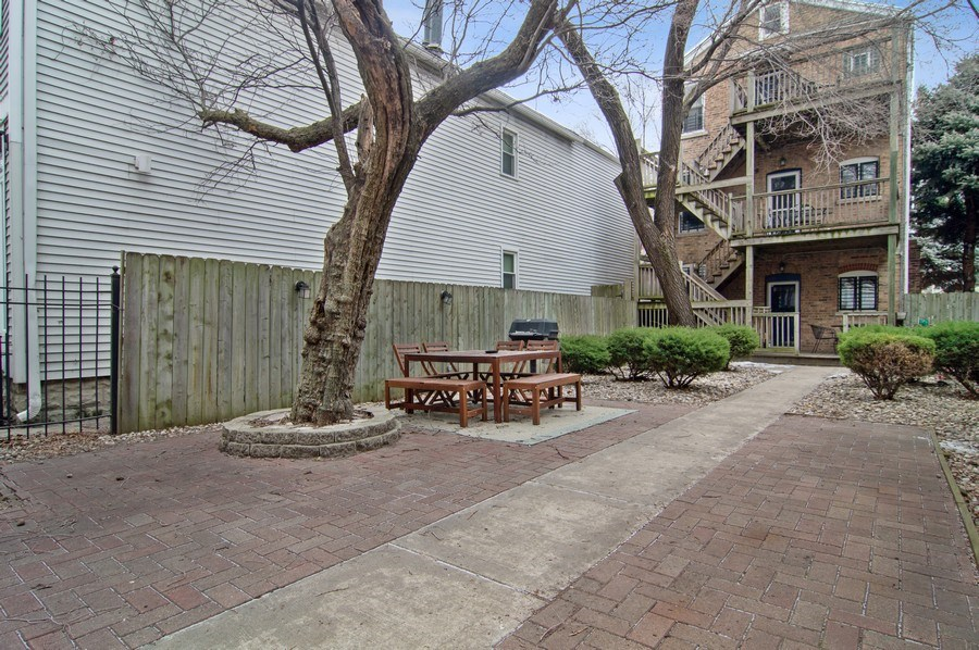 Real Estate Photography - 1625 N. Dayton St., Chicago, IL, 60614 - Patio