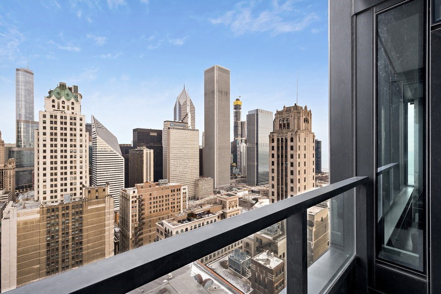 Real Estate Photography - 60 e monroe #3507, Chicago, IL, 60603 - Balcony