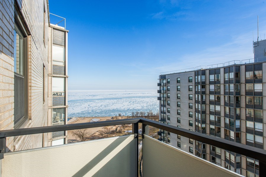 Real Estate Photography - 5701 N Sheridan Rd, Unit 29A, Chicago, IL, 60660 - Balcony