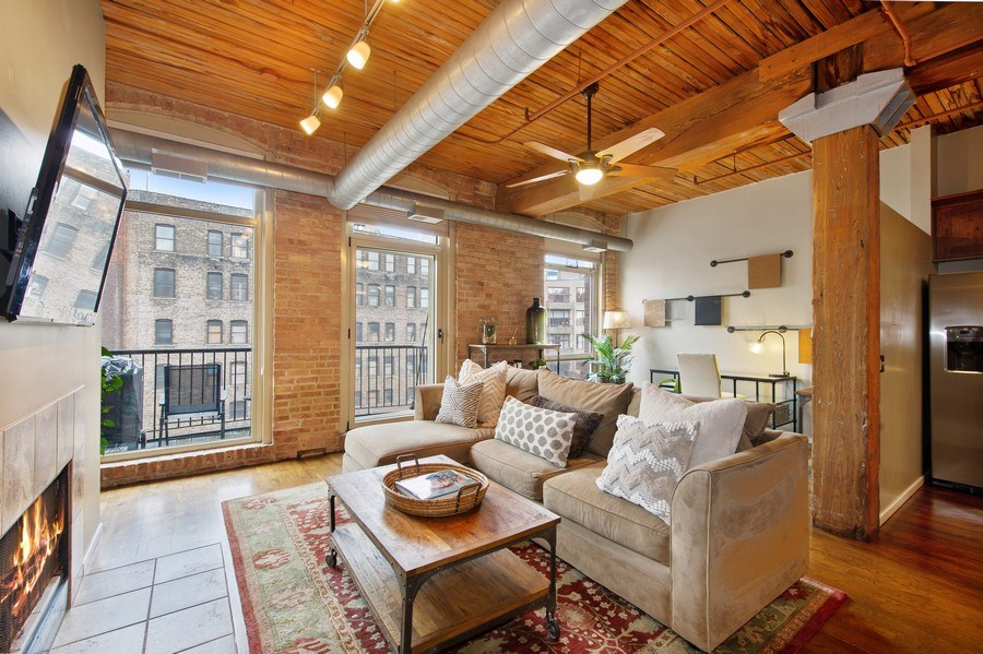 Real Estate Photography - 550 N Kingsbury St, unit 416, Chicago, IL, 60654 - Living Room