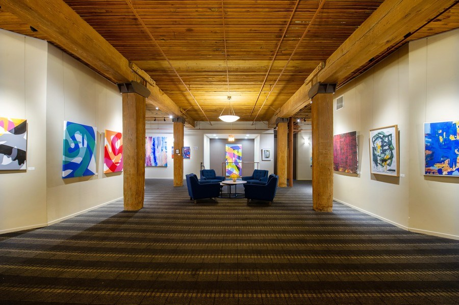 Real Estate Photography - 550 N Kingsbury St, unit 416, Chicago, IL, 60654 - Lobby