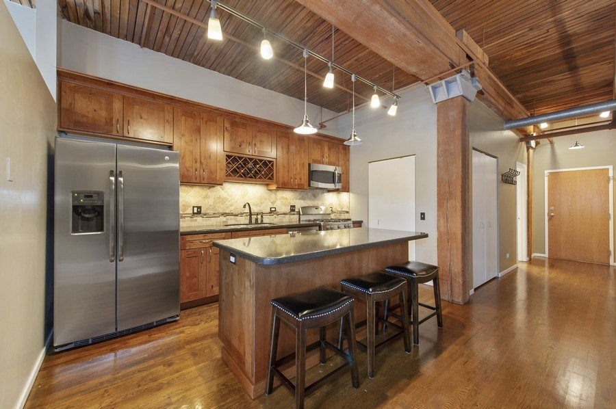 Real Estate Photography - 550 N Kingsbury St, unit 416, Chicago, IL, 60654 - Kitchen