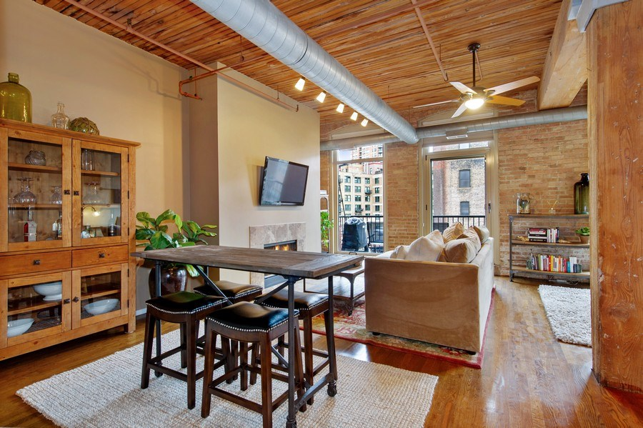 Real Estate Photography - 550 N Kingsbury St, unit 416, Chicago, IL, 60654 - Living Room / Dining Room